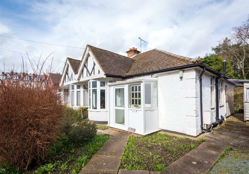 1 Bedroom Semi Detached Bungalow for sale in Deepdene Gardens, Dorking, Surrey, RH4