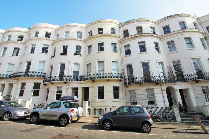 2 Bedrooms Flat for sale in Lansdowne Place, Hove, BN3 1FG