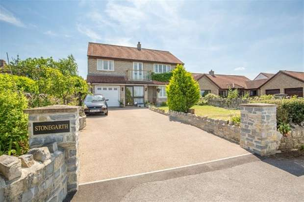 4 Bedrooms Detached House for sale in Combe Lane