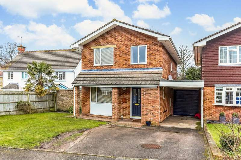 4 Bedrooms Detached House for sale in Langdale Drive, Ascot