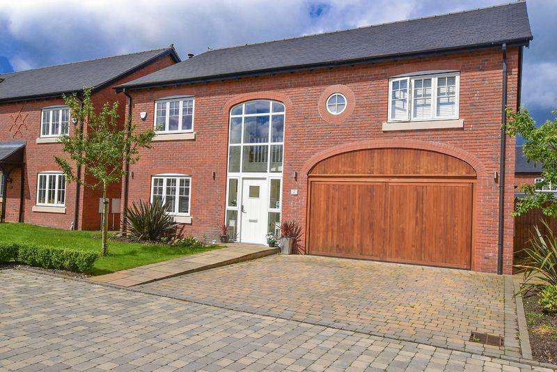 4 Bedrooms Detached House for sale in Meadowside, Sandbach