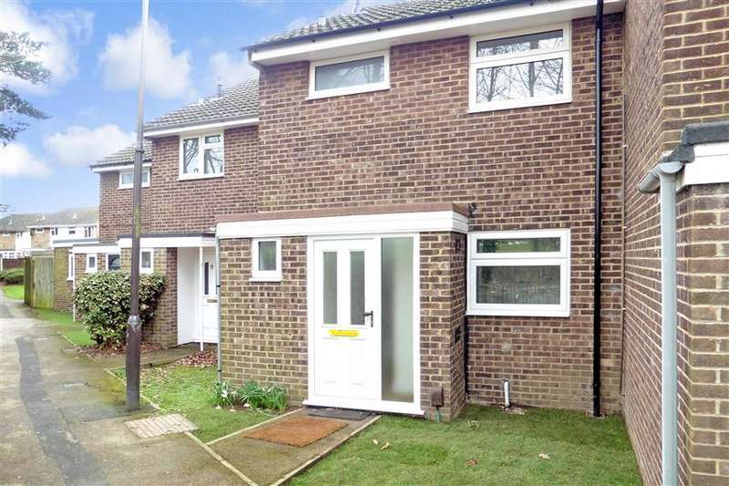 3 Bedrooms Terraced House for sale in Thackeray Road, Poets Development, Larkfield, Kent