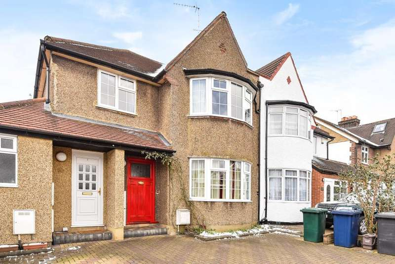 2 Bedrooms Flat for sale in Hervey Close, Finchley, N3