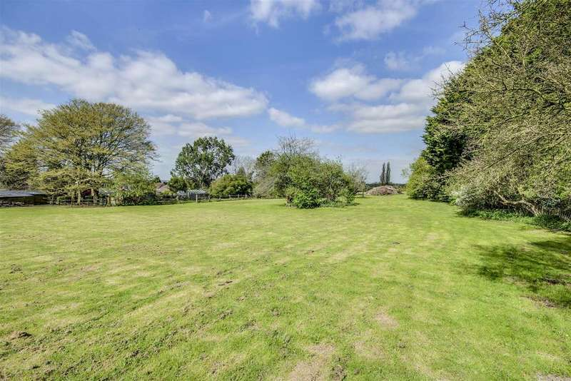 4 Bedrooms House for sale in Henfield Road, Small Dole, Henfield