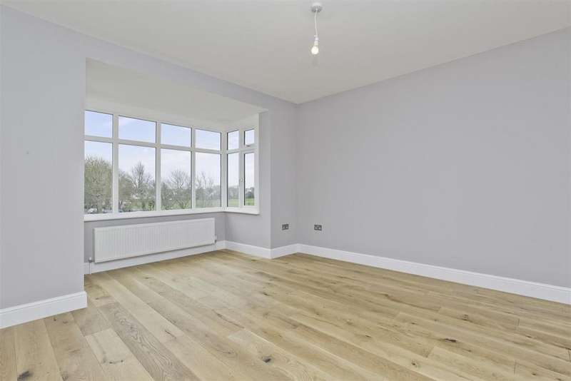2 Bedrooms Flat for sale in New Church Road, Hove