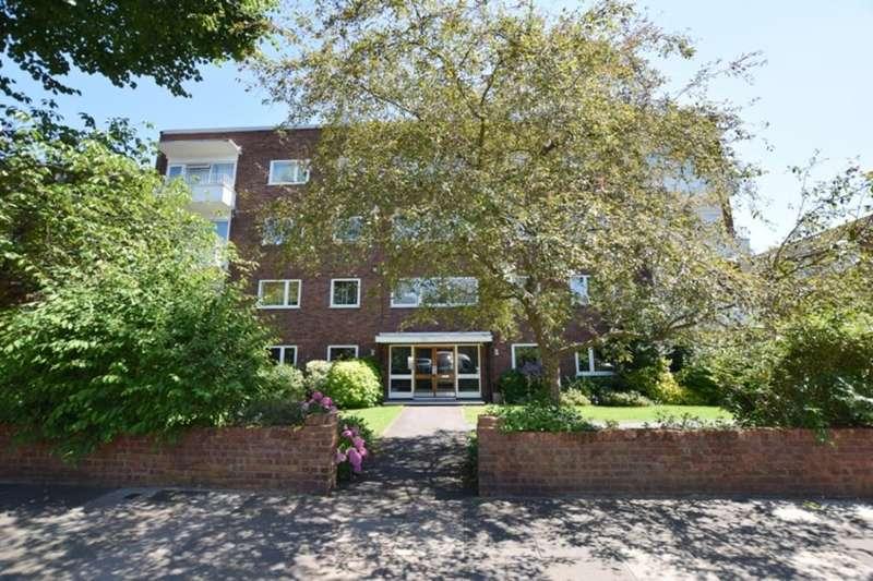 2 Bedrooms Ground Flat for sale in Capel Lodge, Kew Road, Kew, Richmond, Surrey TW9