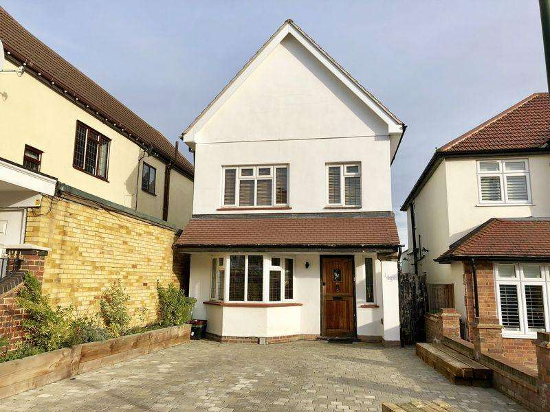 5 Bedrooms Detached House for sale in Lion Road, Bexleyheath