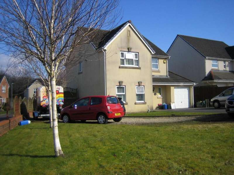 4 Bedrooms Detached House for sale in Pentre Rd, Grovesend, Swansea