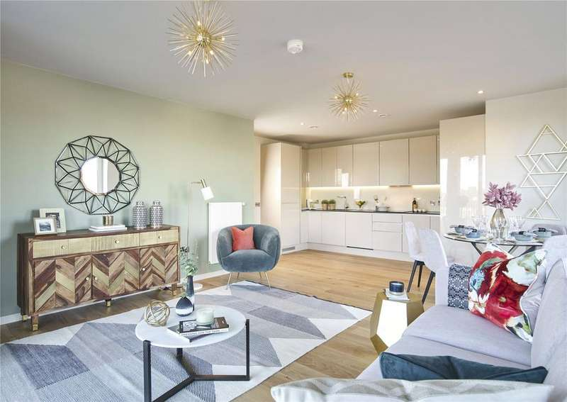 2 Bedrooms Flat for sale in Keelson Gardens, Brentford, TW8