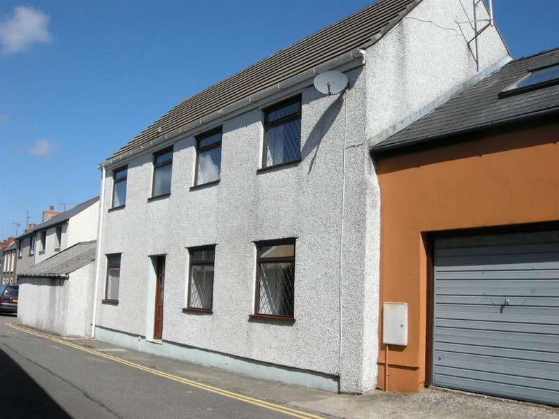 3 Bedrooms Detached House for sale in Neyland, Milford Haven