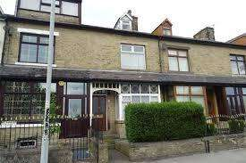 3 Bedrooms Flat for sale in Wensleydale Road, bradford bd3