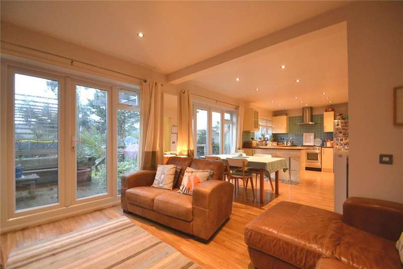 4 Bedrooms House for sale in Pinecroft, Hemel Hempstead, Hertfordshire, HP3