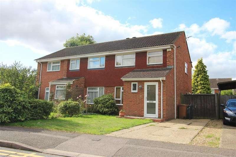 3 Bedrooms Semi Detached House for sale in Ingleside Drive, Stevenage, Hertfordshire