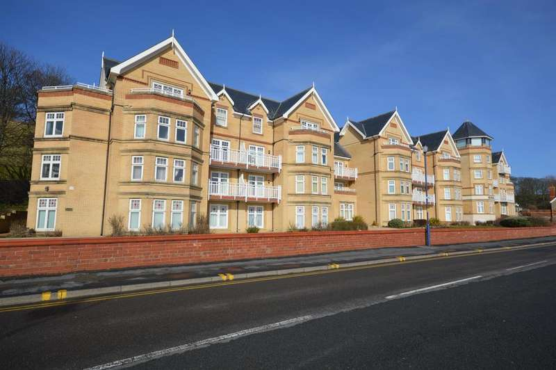 2 Bedrooms Flat for sale in The Beach, Filey, YO14 9LW