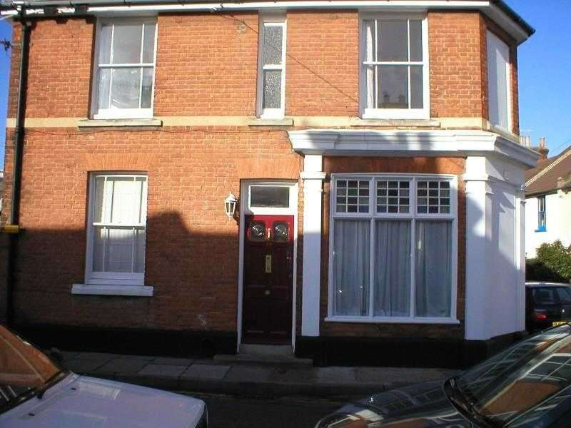 6 Bedrooms End Of Terrace House for rent in Tudor Road, Canterbury