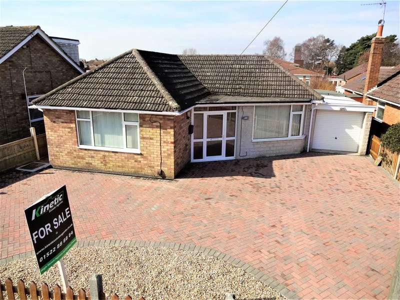 2 Bedrooms Bungalow for sale in Hollywell Road, Waddington, Lincoln