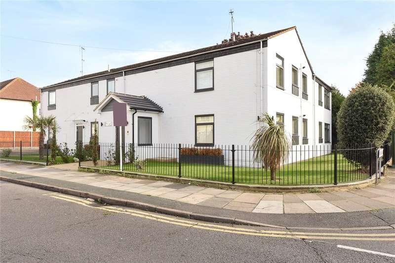 1 Bedroom Apartment Flat for sale in Torrington Road, Ruislip, Middlesex, HA4