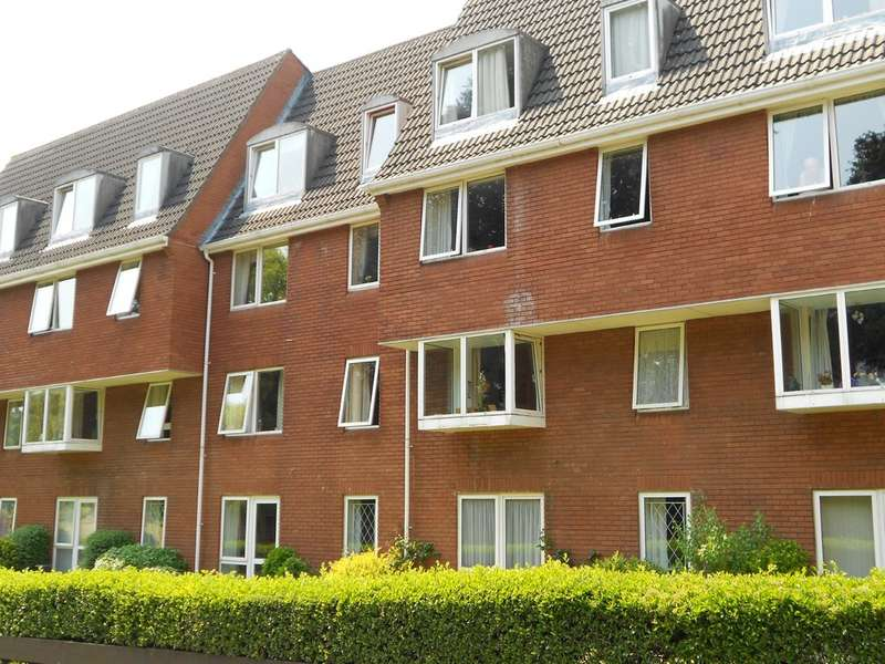 1 Bedroom Flat for sale in Homeville House, Hendford BA20