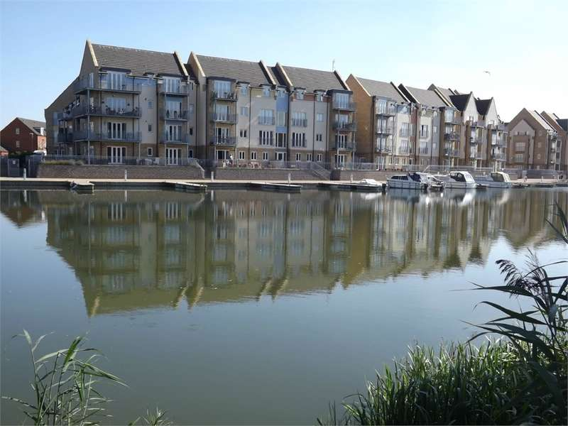 2 Bedrooms Flat for sale in Eynesbury, ST NEOTS
