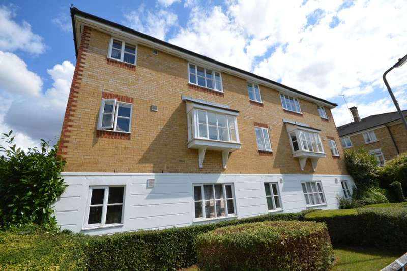Flat for sale in Chipstead Close, Sutton, SM2