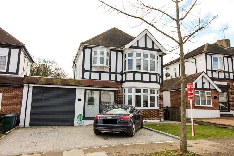 3 Bedrooms Detached House for sale in Holyrood Road, New Barnet