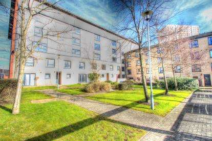 2 Bedrooms Flat for sale in Couper Street, Townhead