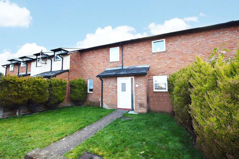 3 Bedrooms Terraced House for sale in Wood Road, Camberley, Surrey, GU15