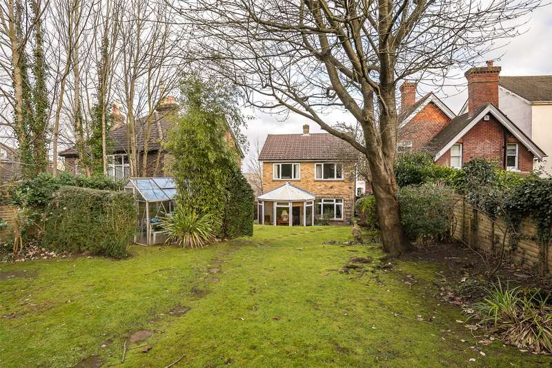 3 Bedrooms Detached House for sale in Grovehill Road, Redhill, Surrey, RH1