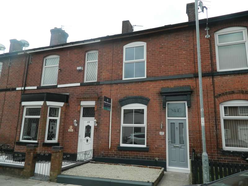 2 Bedrooms Terraced House for sale in Halstead Street, Bury, BL9
