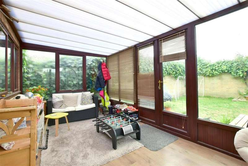 4 Bedrooms Detached House for sale in Ellis Drive, , New Romney, Kent