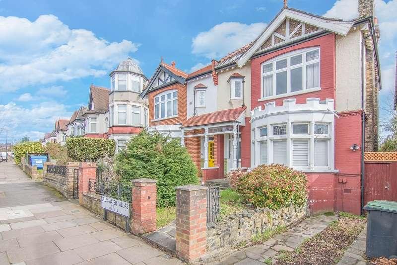 2 Bedrooms Flat for sale in Ulleswater Villas, Ulleswater Road, London, Greater London. N14