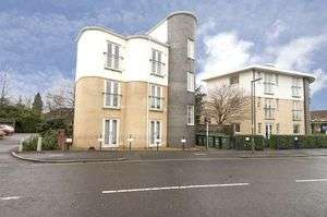 2 Bedrooms Property for sale in Ashley Park Road, Walton-On-Thames