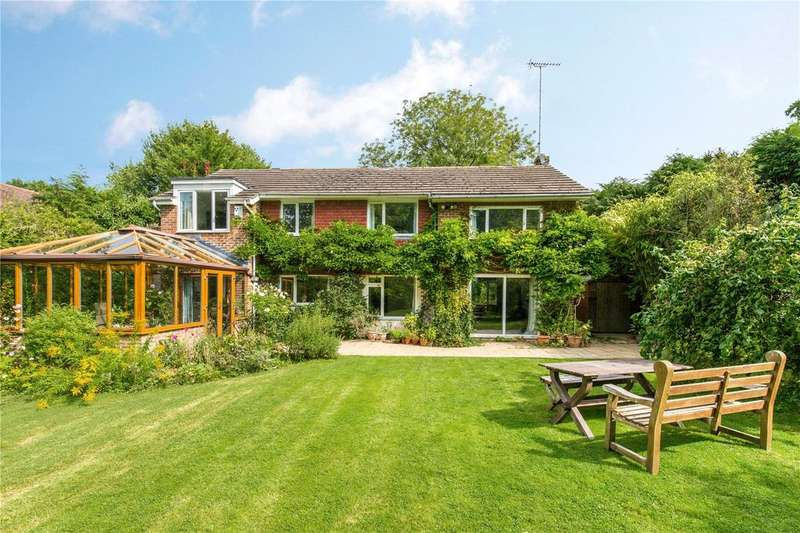 4 Bedrooms Detached House for sale in Roundwood Lane, Lindfield, Haywards Heath, West Sussex, RH16