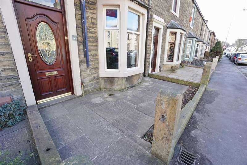 2 Bedrooms Terraced House for rent in Pimlico Road, Clitheroe