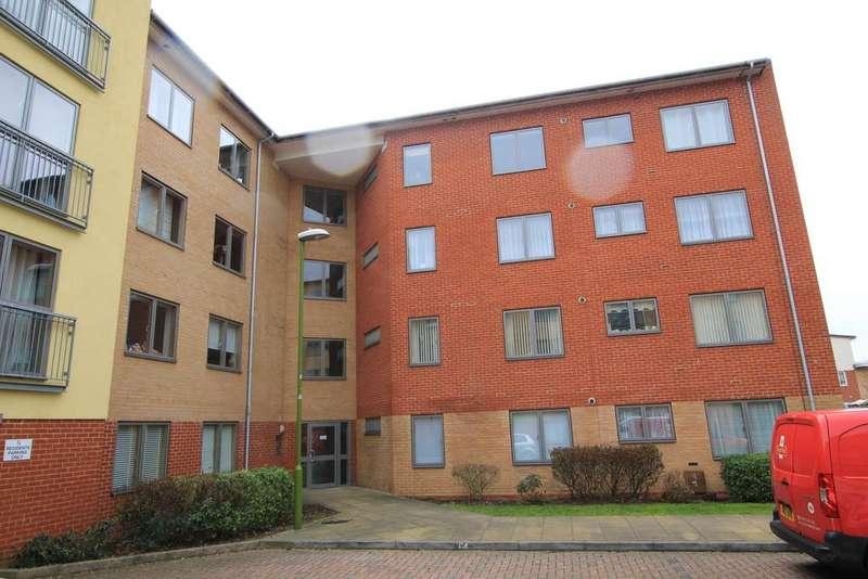 1 Bedroom Ground Flat for sale in Kilby Road, Stevenage