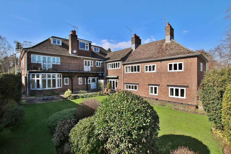 3 Bedrooms Apartment Flat for sale in St Cross, Winchester