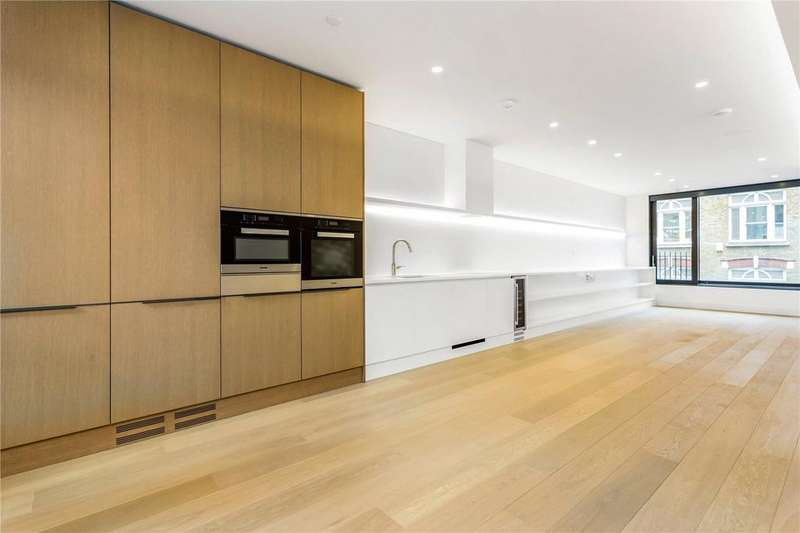 2 Bedrooms Flat for sale in Rathbone Square, Rathbone Place, Fitzrovia, London, W1T