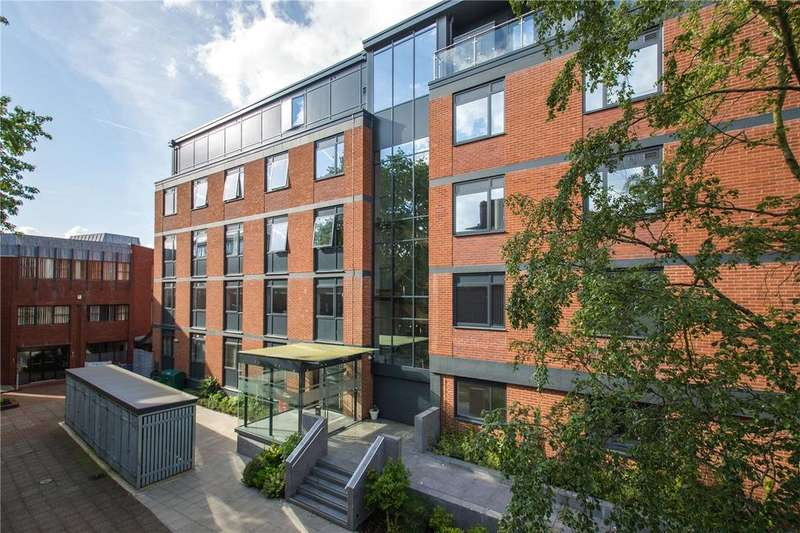 1 Bedroom Flat for sale in Trinity Court, Southernhay East, Exeter, Devon, EX1