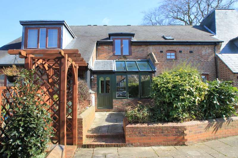 2 Bedrooms Semi Detached House for sale in Browns Maltings, Tring