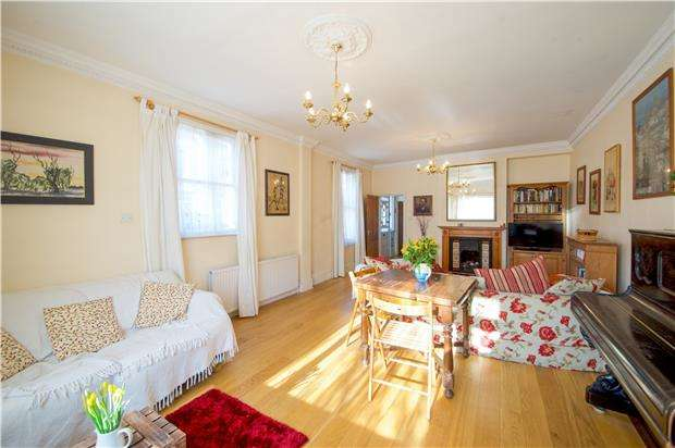 4 Bedrooms End Of Terrace House for sale in Revelstoke Road, LONDON, SW18 5PD