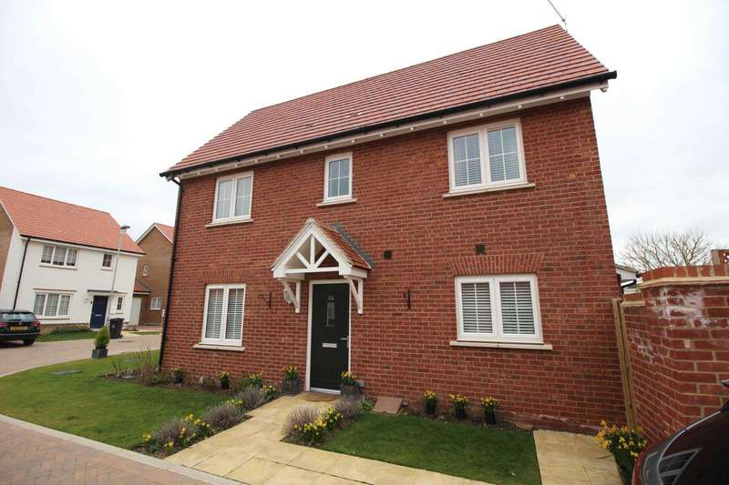 3 Bedrooms Detached House for sale in Regatta Way, Maldon