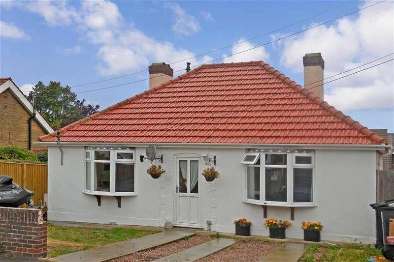 2 Bedrooms Bungalow for sale in Cross Road, Walmer, Deal, Kent