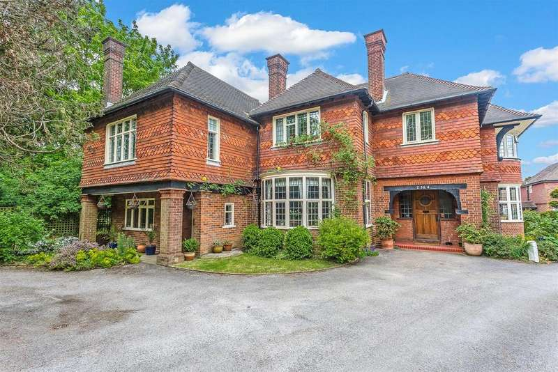 2 Bedrooms Apartment Flat for sale in Winkworth Place, Banstead