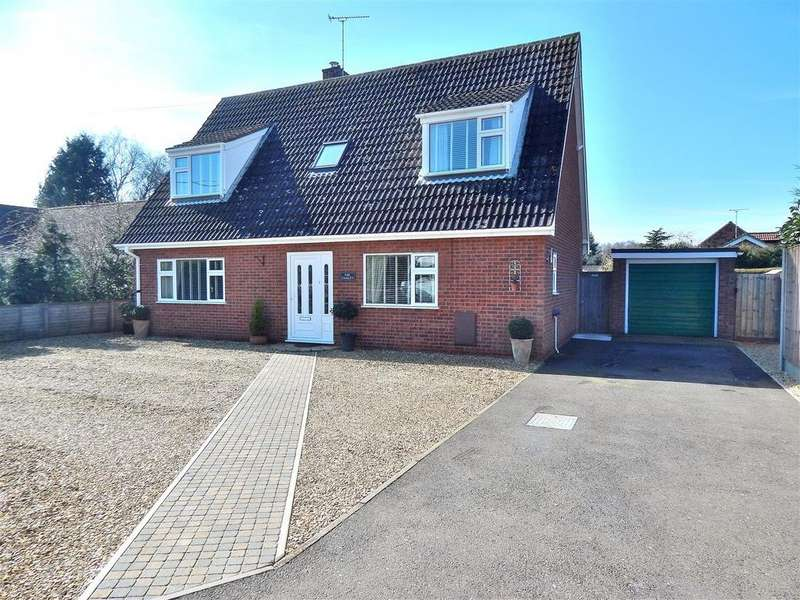 3 Bedrooms Chalet House for sale in Sandy Way, Ingoldisthorpe, King's Lynn