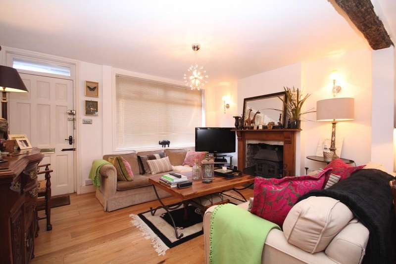 2 Bedrooms Semi Detached House for sale in High Street, Rotherfield