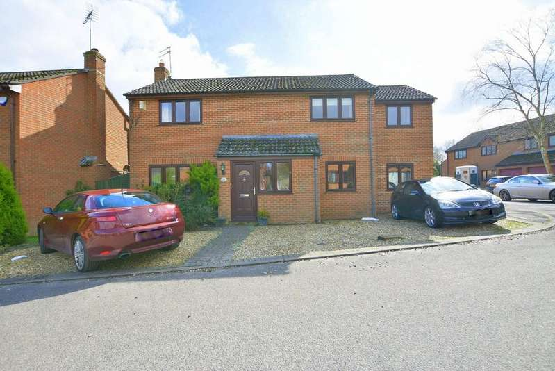 5 Bedrooms Detached House for sale in Haywards Farm Close, Verwood