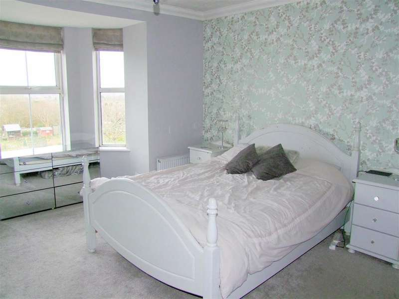 3 Bedrooms House for sale in Alvington Road, Carisbrooke