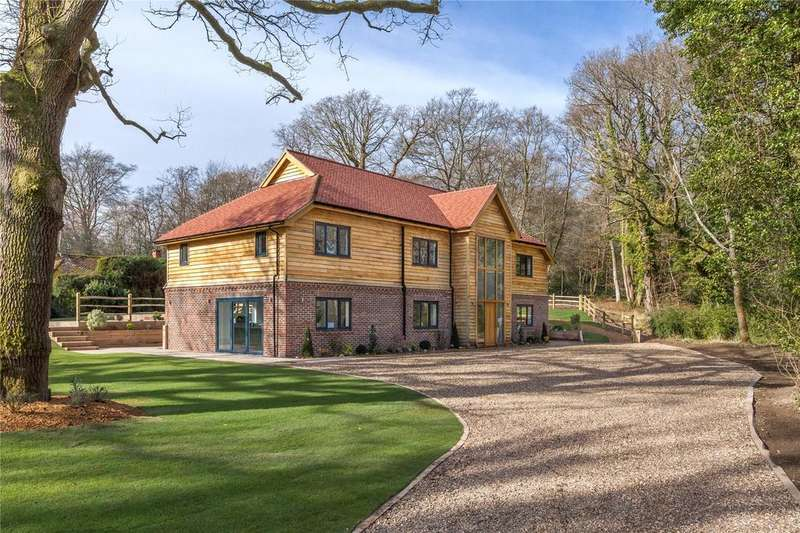 5 Bedrooms Detached House for sale in Brick Kiln Common, Wisborough Green, West Sussex, RH14