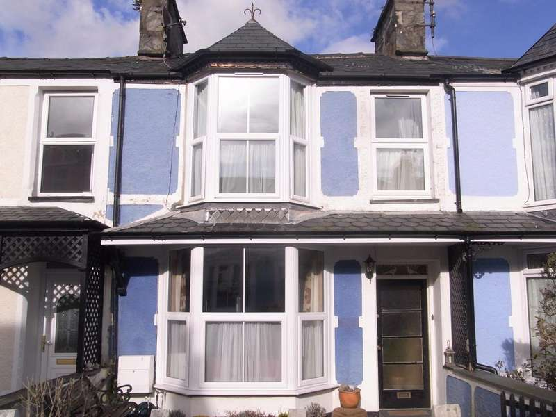 4 Bedrooms Terraced House for sale in 24 Ralph Street, Borth y Gest LL49