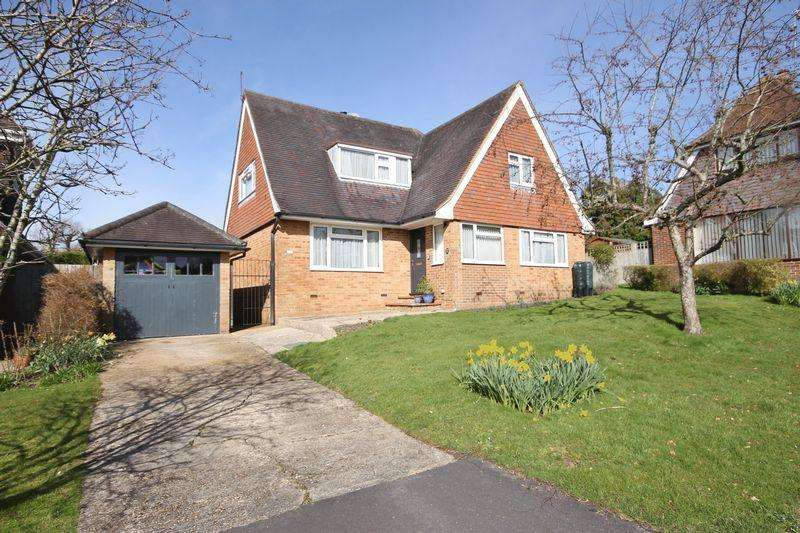 3 Bedrooms Detached House for sale in Greenlands Close, Burgess Hill, West Sussex